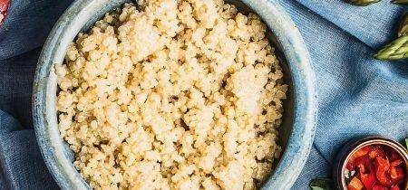 Quinoa con asparagi e cipollotti al profumo di maggiorana
